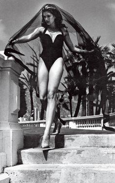 """""""The Venus de Monaco"""" Cindy Crawford photographed by Helmut Newton for Vogue US 1991"""