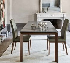 Calligaris' Omnia dining table range comes in various sizes, finishes and colours.