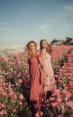 summer mckeen and maddie ziegler Dylan Jordan, Summer Mckeen, Best Friend Photos, Maddie Ziegler, Insta Photo Ideas, Friend Pictures, Picture Poses, Portrait Photography, Freelance Photography