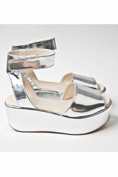 liquid silver flatforms--I need these! Silver Sandals, Silver Shoes, Chunky Sandals, Crazy Shoes, Me Too Shoes, Derby, Grunge, Dior, Rock Chic