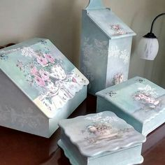 Decoupage Box, Decoupage Vintage, Vintage Crafts, Florida Decorating, Wood Crafts, Diy Crafts, Craft Projects, Projects To Try, Hand Painted Furniture