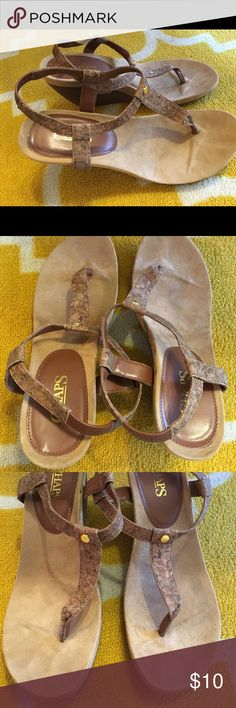 Chaps Women's Thong Wedge Brown Sandals Size 10 For sale a pair of barely used brown thong wedge sandals by Chaps. Worn maybe twice. Size 10. Make me an offer! Comment with questions. Happy to bundle! Chaps Shoes Sandals