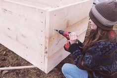 Hochbeet aus Holz selber bauen: Einfache und günstige Bauanleitung! #Hochbeet #Garten #Gemüsegarten #Wurzelwerk