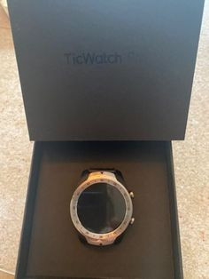 250.00$ Montre TicWatch Pro WF12096 Smart Watch Argent Smart Watch, Boutique, Watches, Watch, Silver, Smartwatch, Wristwatches, Clocks, Boutiques