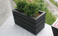 Bilderesultat for blomsterkasser i tre Planter Boxes, Planters, Backyard, Patio, Outdoor Furniture, Outdoor Decor, Curb Appeal, Lawn, Beach House
