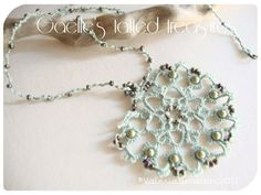 Hand tatted necklace pendant with Swarovsky di gaestattedtreasures, €10.00