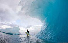 Eine gigantische gefrorene Welle in der Antarktis. Wahnsinn, oder?