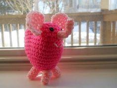 Valentine's Day Elephant free crochet pattern by Craftster annieplayground