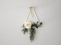 Front Door Decoration - Modern Minimalist Wall Hanging - Apartment Decor - Housewarming Gift - Front Door Wreath - Natural Wreath