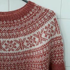 Ravelry: Winter Me pattern by winterludes Knitting Projects, Knitting Patterns, Sweater Patterns, Fair Isle Knitting, Stockinette, Knitted Bags, Doll Crafts, Vintage Knitting, Tejidos