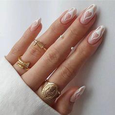 Daisy Nails, Gem Nails, Nail Manicure, Flower Nails, Fake Nails With Glue, Glue On Nails, Nail Art Hacks, French Nails, Nagel Hacks