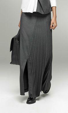 Unique Fashion, Timeless Fashion, Trendy Fashion, Womens Fashion, Fashion Design, Skirt Fashion, Hijab Fashion, Fashion Dresses, Oska Clothing
