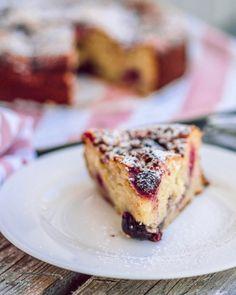 Kinuskinen Raparpericrumble   Annin Uunissa Baking Tips, Baking Recipes, Cake Recipes, Most Delicious Recipe, Macaron, Cake Mold, Ricotta, French Toast, Yummy Food