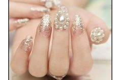 The pearl nail art : the trendy manicure that you absolutely must have! Pearl Nail Art, Pearl Nails, Diamond Nails, Diamond Earrings, Beautiful Morning Images, Us Nails, Different Colors, Must Haves, Manicure