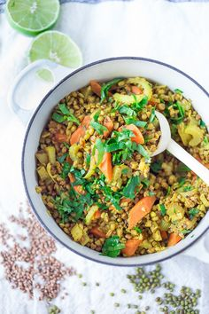 Vegetable Khichdi Recipe (an Ayurvedic Cleanse) - Ayurvedic Detox Bowl ( aka khichari) with mung beans, kashi and detoxing veggies. Indian Food Recipes, Whole Food Recipes, Vegetarian Recipes, Healthy Recipes, Ayurvedic Diet, Ayurvedic Recipes, Clean Eating Recipes, Healthy Eating, Vegan Detox