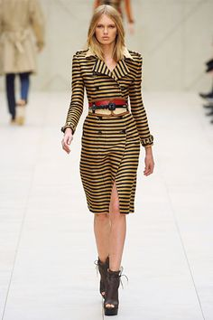 Bumble bee trench - Burberry Prorsum Spring 2012 RTW
