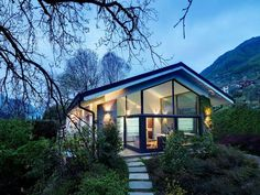 Modern Lake Como Villa by Studio Marco Piva, Lombardy, ItalyThe Villa a Como project was completed by the Milan based architects Studio Marco Piva. This 5,630 square foot contemporary home has been completely r... Architecture Check more at http://rusticnordic.com/modern-lake-como-villa-by-studio-marco-piva-lombardy-italy/