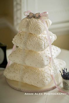 4 tier pillow/cushion weddingcake by elizabethscakeemporium, via Flickr