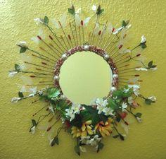 """Participation Anna Salih #Adulte    hello Creavea,    Voici ma création pour la fête des mères. """"Garden Butterfly Mirror """"    Un miroir dans un cadre métallique doré amenant une touche personnelle faite de petites perles, des papillons en papier avec des fleurs artificielless.    """"Elaboré avec tant d'attention et de soin en l'honneur de l'amour florissant de ma mère qui m'a fait voir la beauté de la vie.""""    Cordialement,  Anna Salih, 26ans"""