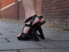 Style Chameleon | Personal style and fashion blog: Outfit | Futuristic with United Nude shoes