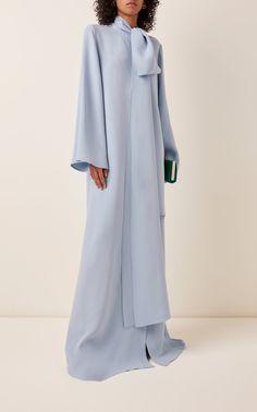 Exclusive Oversized Silk Maxi Dress by Carolina Herrera Abaya Fashion, Muslim Fashion, Modest Fashion, Couture Fashion, Fashion Dresses, Oversized Dress, Carolina Herrera, How To Wear, Fashion Design