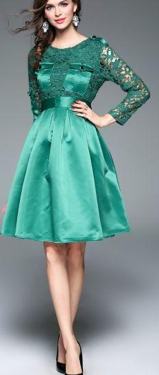 Stylish Green Crochet Hollow Pockets Trim Sheath Midi Dress With Waistband