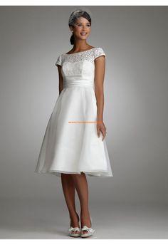 Robe de mariée courte avec manches organza et dentelle