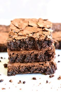 The best homemade gluten-free brownies. Thick, chocolatey and chewy! With a dairy-free option. Recipe from www. Churros Sin Gluten, Crepes Sin Gluten, Pizza Sin Gluten, Gluten Free Deserts, Gluten Free Sweets, Gluten Free Cakes, Dairy Free Options, Dairy Free Recipes, Dairy Free Baking