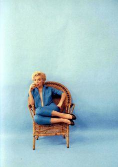 Marilyn in blue jeans!
