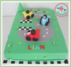 Birtday cake for boys with racing cars Birtday Cake, Cakes For Boys, Racing, Kids Rugs, Cars, Desserts, Decor, Running, Tailgate Desserts