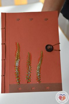selbstgemachtes Buch mit japanischer Bindung #Buchbinden #Notizbuch #japanischeBindung #Geschenk #Stempeln #doityourself #diy #handgemacht #handmade http://www.kreativesbuchbinden.at/notizblock-lp/
