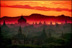 Bagan  - sunset pagodas Bagan, Places To Travel, Places To See, Beautiful Places, Beautiful Pictures, Empty Canvas, Nature Nature, What A Wonderful World, Heavens