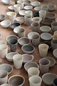 wabi sabi ceramic bowls and tumblers Wabi Sabi, Ceramic Pottery, Ceramic Art, Porcelain Ceramics, Ceramic Bowls, Earthenware, Stoneware, Eco Deco, Deco Pastel