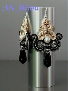 Soutache earrings Pearls with Onyx. Soutache Earrings, Pearl Earrings, Shades Of Beige, Swarovski Pearls, Handmade Jewellery, Shibori, Macrame, Glass Beads, Ornament
