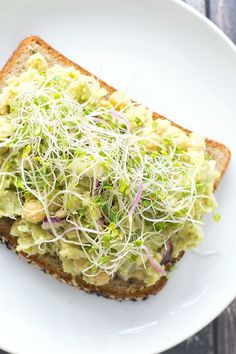 Smashed Chickpea and Avocado Salad Sandwich | www.motherthyme.com