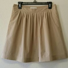 Banana Republic | Skirt Grosgrain ribbon hem skirt. Pleats on front, smooth back. Pockets and side zipper. Fully lined. Good condition, gently worn. Banana Republic Skirts