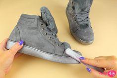 Jak wyczyścić buty z zamszu i nubuku? 9 domowych sposobów - Twoje DIY High Tops, High Top Sneakers, Wedges, Cleaning, Housekeeping, Advice, Shoes, Ideas, Fashion