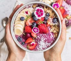 Learn to make your own acai bowl at home! These blueberry acai bowls only need 6 ingredients and make a healthy delicious breakfast! Vegan Breakfast Recipes, Breakfast Bowls, Healthy Recipes, Mexican Breakfast, Breakfast Sandwiches, Breakfast Pizza, Perfect Breakfast, Quick Recipes, Summer Recipes