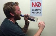 Funny pictures about No Smoking Alcohol. Oh, and cool pics about No Smoking Alcohol. Also, No Smoking Alcohol photos. Funny Pictures Tumblr, Funny People Pictures, Funny Images, Hilarious Photos, That's Hilarious, Hilarious Pictures, Random Pictures, Ryan Dunn, New Year Meme