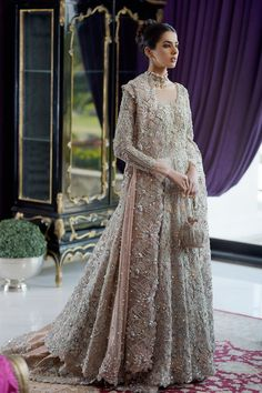 Pakistani Wedding Dresses, Bridal Wedding Dresses, Bridal Outfits, Designer Wedding Dresses, Asian Bridal Dresses, Bridal Dresses Online, Indian Bridal Photos, Walima Dress, Long Gown Dress