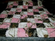 Aunt Gadena could make this one for me because she loves me... Pink camo quilt