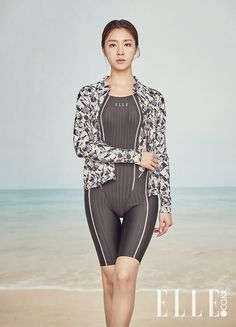 TVcrop: 서지혜 엘르 수영복 래시가드 2 Korean Beauty, Asian Beauty, Seo Ji Hye, Latex Pants, Disco Pants, Korean Star, K Idol, Skin Tight, Workout Wear