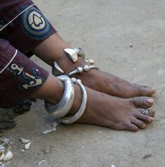 India | Details; woman's anklets. Rajasthan. | ©Rudi Roels