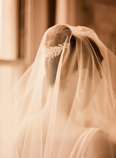 Wedding Veil and Hairpiece Photo by Elizabeth Messina #veil #hairpiece #wedding