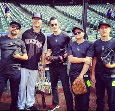 Jack White with the Rockies... Oh Jack <3 you beautiful man..