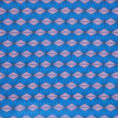 【麻の葉まんげきょう 瑠璃(中川政七商店)】/麻の葉文様は文字通り、「麻」の葉の形を連想する正六角形を基本とした日本独自の幾何学文様です。 その文様をベースにし、異なった色を部分的に配置することで、万華鏡のようにクルクルと形を変える様を表現したことから生まれた「麻の葉まんげきょう」。 #japanesetextiles #textile #patterns