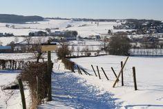 Ook in de winter valt er in het Heuvelland heerlijk te wandelen, een prachtig uitzicht maar dan helemaal in het wit!