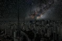 """New York """"Villes Enteintes"""" oder """"Darkened Cities"""" nennt der aus Frankreich kommende und (natürlich) in Paris lebende Thierry Cohen sein Projekt, für welches er Nachtaufnahmen der größten Städte der Welt macht, welchen er in der Post-Production dann digital das Licht ausknipst. Die klassischen, Lichtdurchfluteten Skylines habt Ihr alle natürlich irgendwo schon einmal gesehen (von den 10 Skylines hier fehlen mir... Weiterlesen"""