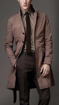 Abrigo impermeable de Burberry London, bello color y único además.