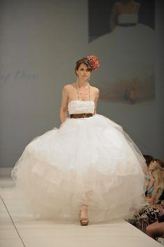 Hey, I found this really awesome Etsy listing at https://www.etsy.com/listing/83167786/charleston-wedding-dress-designer